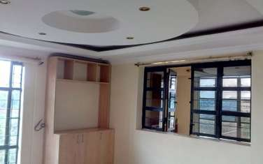 170 m² office for rent in Garden Estate