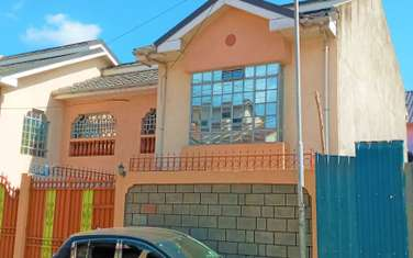 Townhouse for sale in Donholm