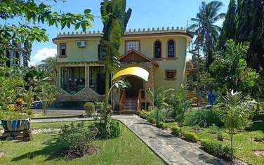 9 bedroom villa for sale in Nyali Area