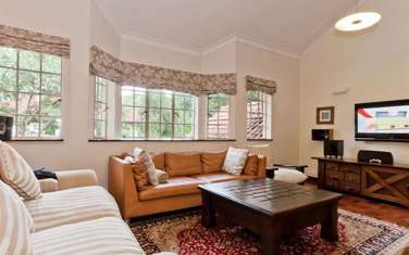 5 bedroom house for sale in Rosslyn