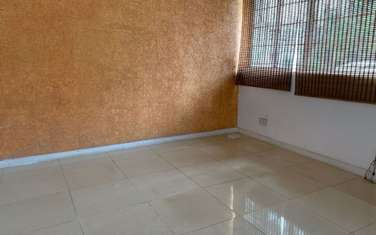 130 m² office for rent in Parklands