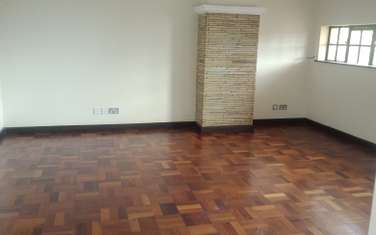 4 bedroom house for rent in Rosslyn