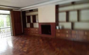6 bedroom house for rent in Nyari