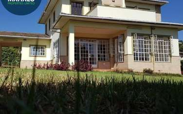 4 bedroom villa for rent in Red Hill