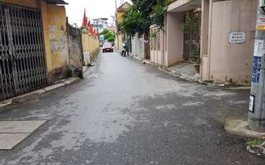 48 m2 residential land for sale in District Long Bien