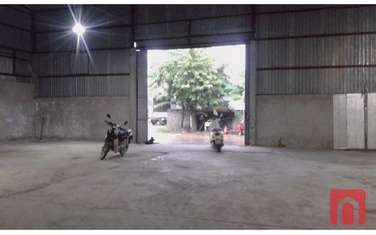 800 m2 Factories & Warehouse for rent in District Dan Phuong