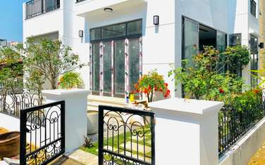 4 bedroom villa for sale in District Huong Thuy
