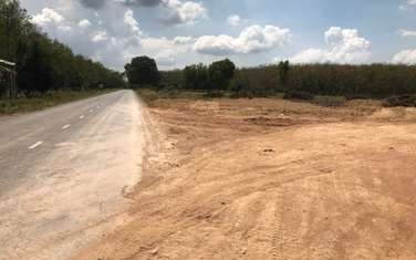 100000 m2 commercial land for sale in District Hon Quan
