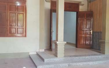 3 bedroom house for rent in Thanh pho Vinh