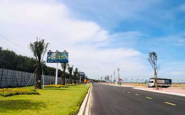 100 m2 land for sale in District Long Thanh
