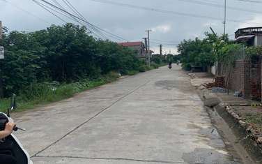 513 m2 residential land for sale in District Van Giang