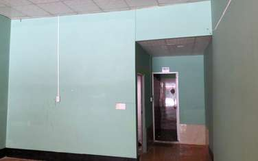 90 m2 Shop for rent in District 7