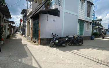 64 m2 land for sale in District Can Duoc