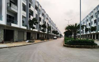 4 bedroom townhouse for sale in Thanh pho Bac Ninh