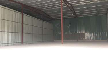 300 m2 Factories & Warehouse for rent in District Ha Dong