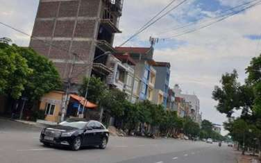 102 m2 land for sale in District Yen Phong
