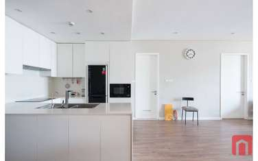 3 bedroom apartment for rent in District Ba Dinh