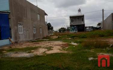 150 m2 residential land for sale in District Bau Bang