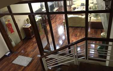 townhouse for sale in District Le Chan