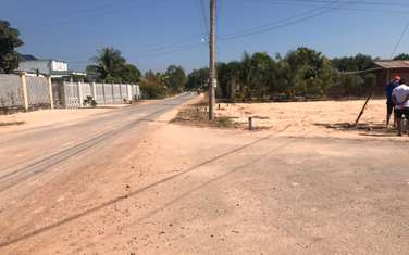 90 m2 residential land for sale in District Ben Cau
