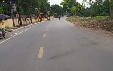 135 m2 residential land for sale in District Van Lam