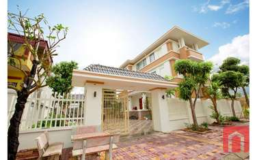villa for sale in District Yen My