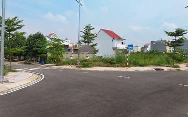 65 m2 land for sale in District 9